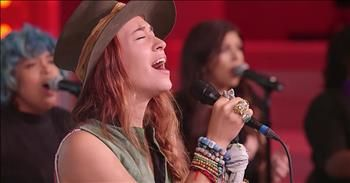 Live Performance Of 'Rescue' From Lauren Daigle