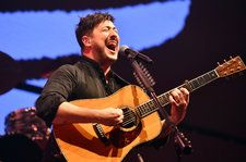 Mumford & Sons, The 1975 & Twenty One Pilots Merrily Close Out KROQ's Almost Acoustic Christmas