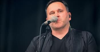 'Mercies ' Live Performance From Matt Redman