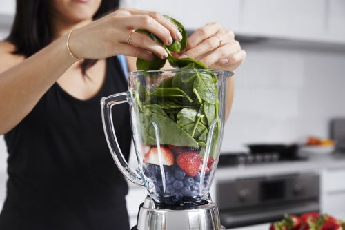 """Are Smoothies the New Sandwiches? Here's the Truth About """"Healthy"""" Shakes"""