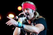 *NSYNC's Joey Fatone & Chris Kirkpatrick Join Bret Michaels For Rowdy Sing-Along in Orlando: Watch