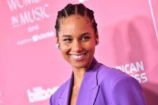 Alicia Keys Rocked a Purple Suit Better Than Swizz Beatz & He's 'Super Cool' With That