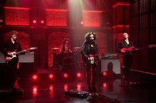 Pale Waves Delivers Moody Performance of 'Eighteen' On 'Late Night': Watch