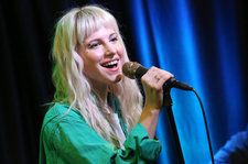 Hayley Williams Announces Solo Song 'Simmer'
