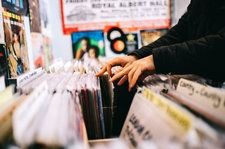 'An Endless Fiasco': Indie Retailers Describe Worsening Breakdown in Getting CDs, Vinyl Delivered to Record Stores