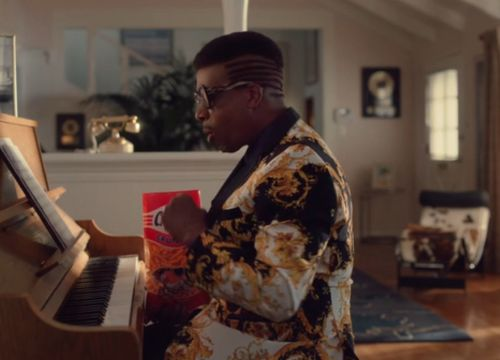 """Watch MC Hammer's Cheetos Super Bowl Commercial About """"U Can't Touch This,"""" Which Was Actually Released 30 Years Ago This Week"""